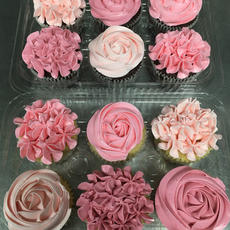 Italian buttercream piped floral cupcakes #1