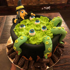 Witch Cauldron Soup Cake