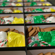 Bulk Corporate Christmas Gingerbread House Kit 10% Discount