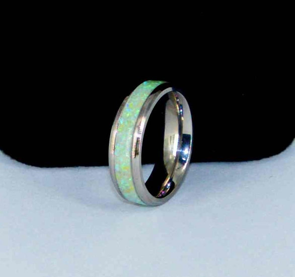 Cremation Jewelry - Ring - Vanilla Opal  OP 64