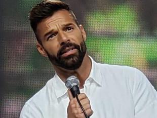Ricky Martin pidió apoyo para los profesionales de la salud que no tienen implementos para combatir