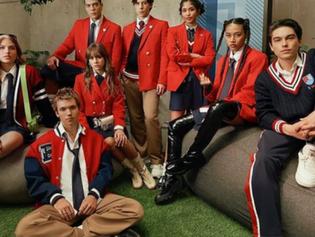 Netflix presume el nuevo uniforme de los alumnos de Rebelde