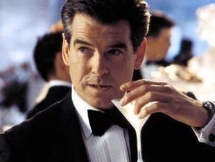 Netflix podría estar preparando una serie protagonizada por James Bond gay