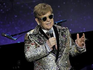 Ex esposa de Elton John presenta medida en su contra
