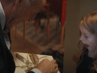 El comercial de Navidad considerado el más emotivo de este año: un homenaje a abuelos y nietos