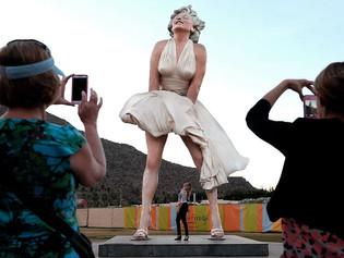 Estatua de Marilyn Monroe recibe críticas por ser 'misógina', 'sexista' e 'hipersexualizada'