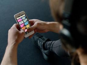 Spotify quiere analizar la voz de sus usuarios y sugerir canciones según sus emociones