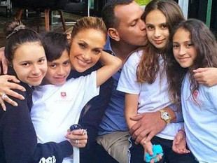 Jennifer Lopez está dispuesta a tener un hijo con Alex Rodríguez