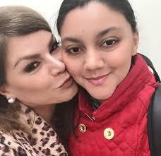"""Olga Tañón responde a quienes critican que su hija Gabriella venda jabones: ¡de """"vagos no tenem"""