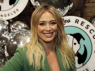 Hilary Duff dio positivo a la variante Delta de Covid-19