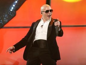 Pitbull se une al festejo de los 30 años de Premio Lo Nuestro