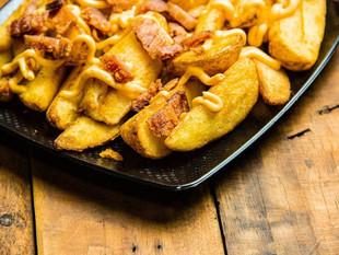 En Bélgica invitan comer más papás fritas durante la pandemia por una buena razón
