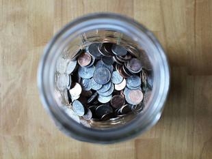 ¿Cómo es el método de ahorrar 1300 dólares en 52 semanas?