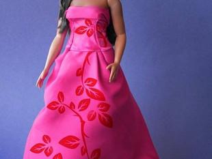 Crean muñeca tipo Barbie de Yalitza Aparicio