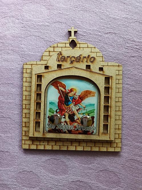 Terçário / Porta Chaves de São Miguel Arcanjo de madeira