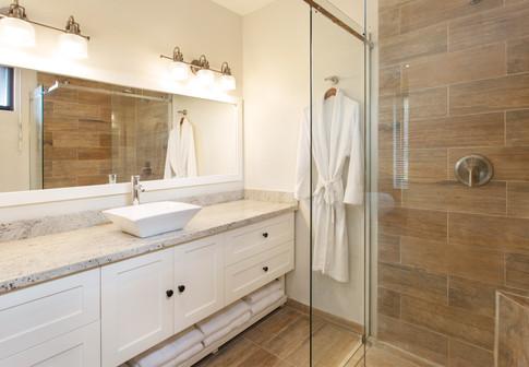 BH Bedroom 2 Bathroom 2.jpg