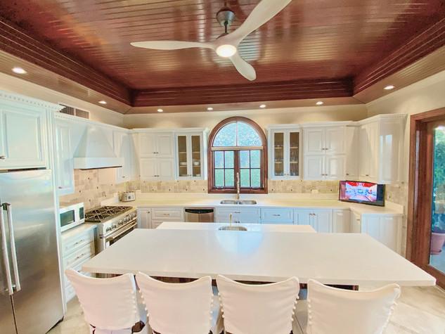 Kitchen Main_edited.jpg
