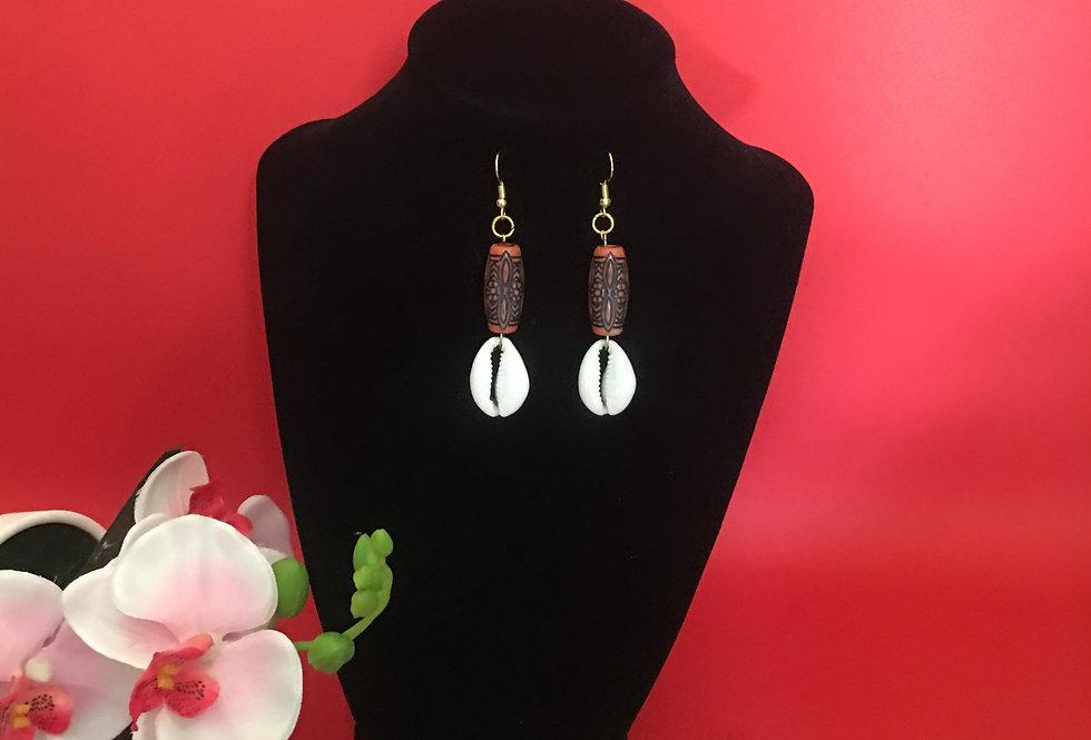 Cowrie Shell earring