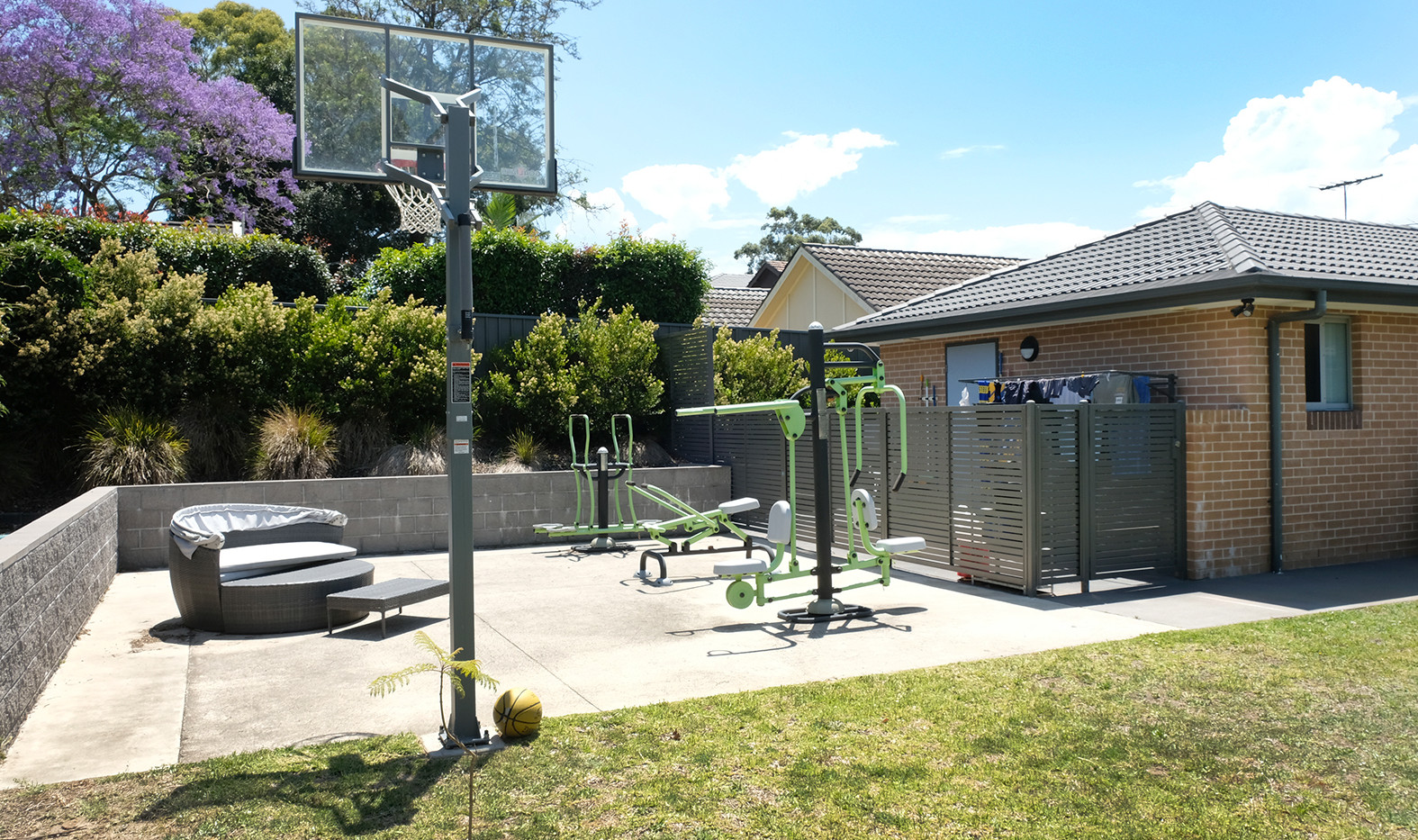 Discover outdoor gym.jpg