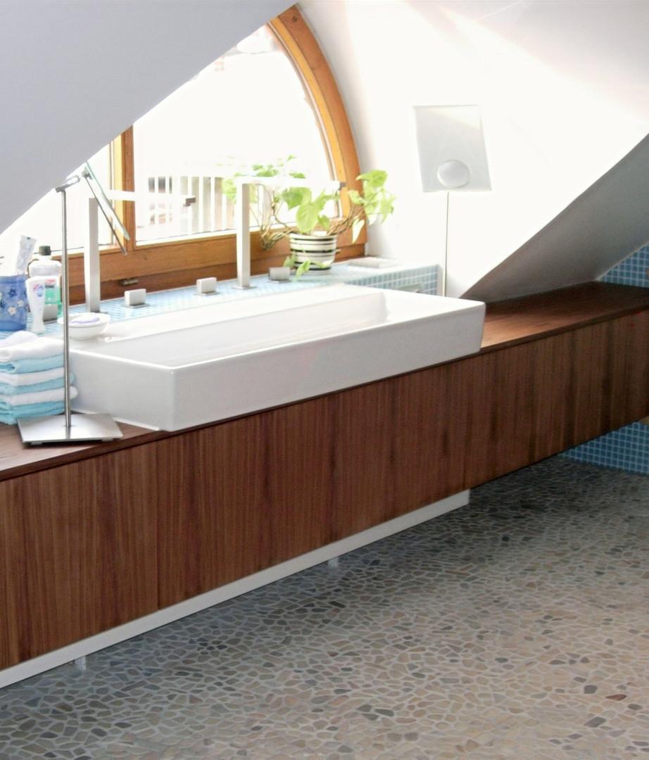 Badhängeschrank, München