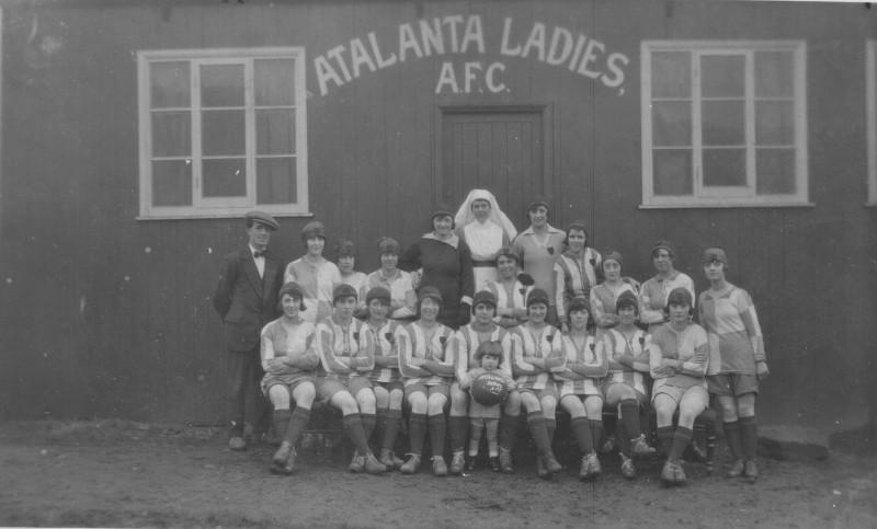 Team Photo of Huddersfield Atalanta Ladies AFC. Black and White.