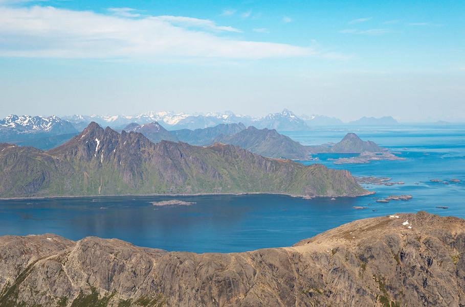 1280_nusfjord_utsiktsørover.jpg