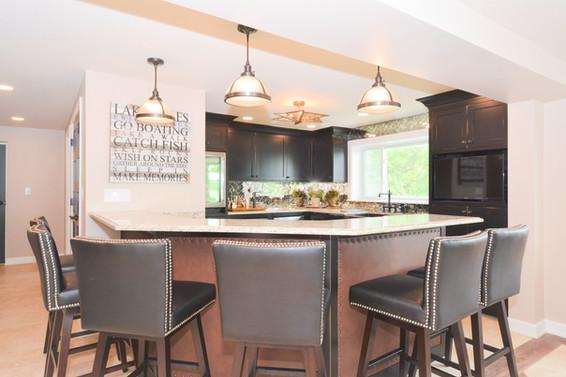 Custom Home Kitchen Bar