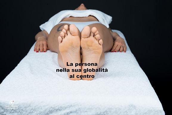 ANDREA MASSAGGI-203-piedi-supino_edited.