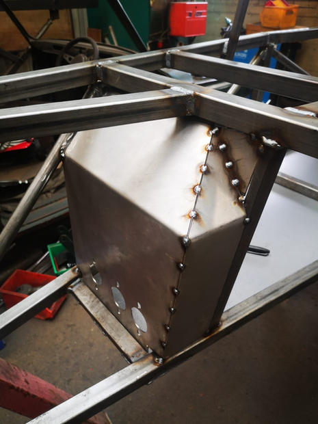 Fabricating a DMO Legend chassis