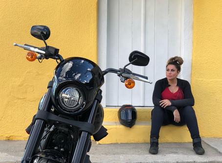 Viagem de moto: conhecendo Paraibuna com a Eliana Malizia