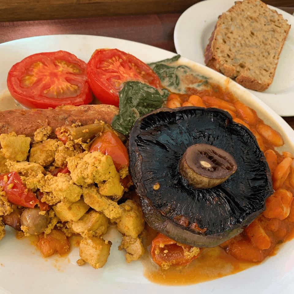 English breakfast at Cornucopia