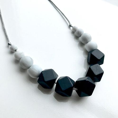 Freya - Black & Marble