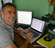 Laurent Decloitre, rédacteur, journaliste, biographe, écrivain La Réunion 974