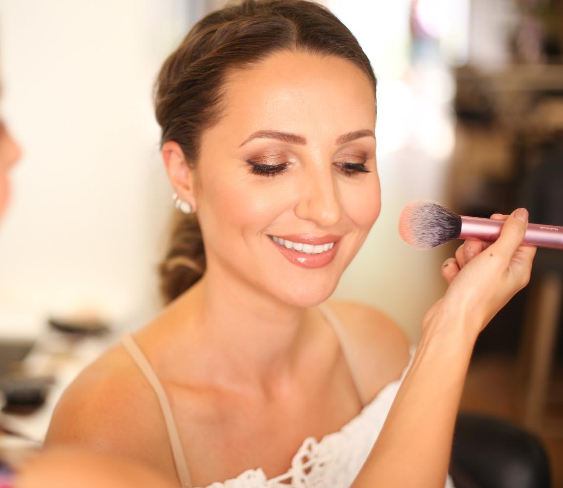 Makeup by Lauren Home.jpg