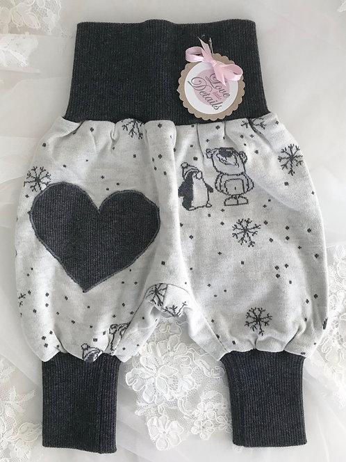 Pant Size 50 (Newborn) BW Snow Heart