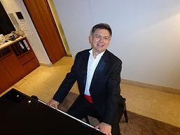 Armin Pianist 2.JPG