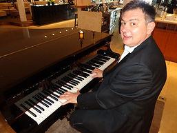 Armin Pianist 1.JPG