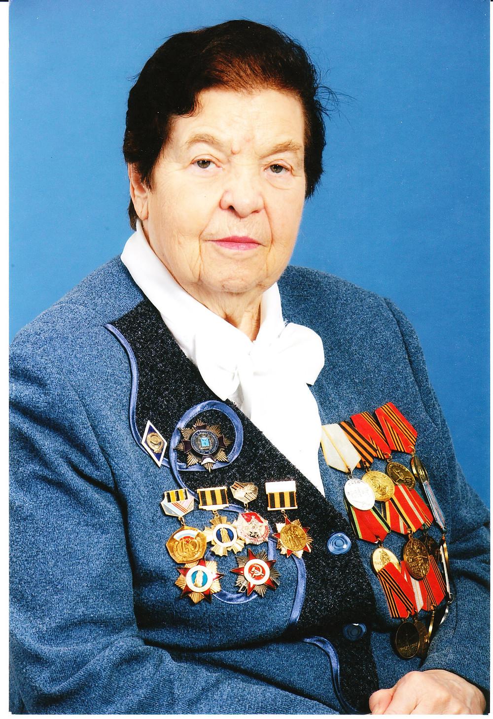Элина Ильинична Полякова, 2013 г. на городской  доске почёта