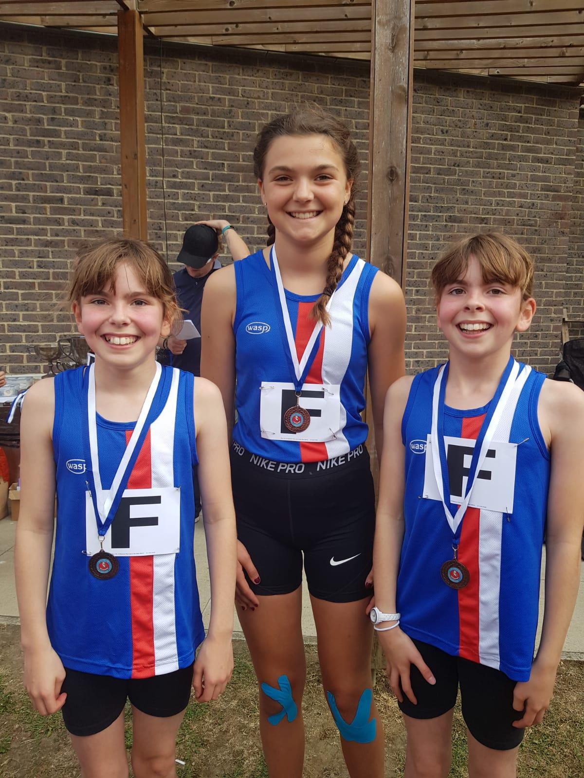 girls relay champs u13 2019