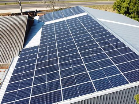 Os passos de um serviço de energia solar seguro e eficiente