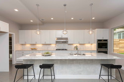 Ave H Kitchen