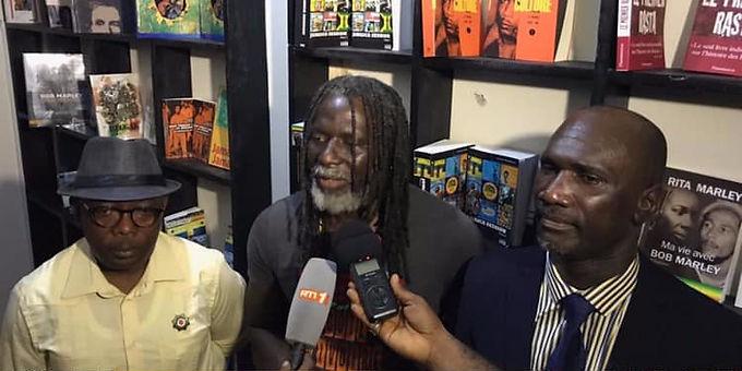 Côte d'Ivoire: Tiken Jah Fakoly inaugure une bibliothèque reggae !