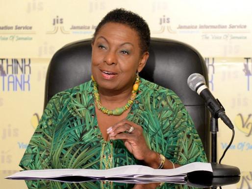 Grange encourage les Jamaïcains à écrire et à publier leurs propres histoires