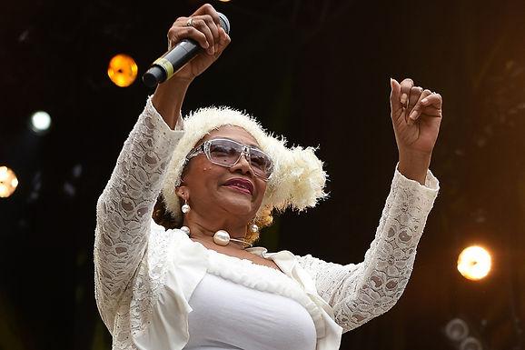 Marcia Griffiths met les pendules à l'heure sur la version originale du hit Electric Boogie