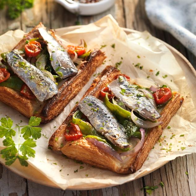 Coca de sardinas.jpg