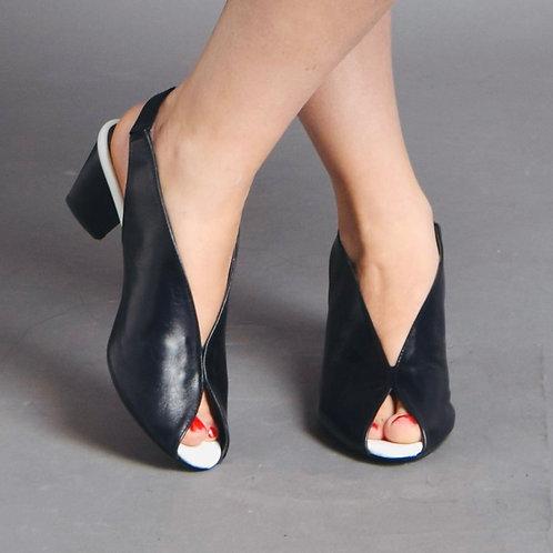 נעלי שאנל שחור בשילוב לבן