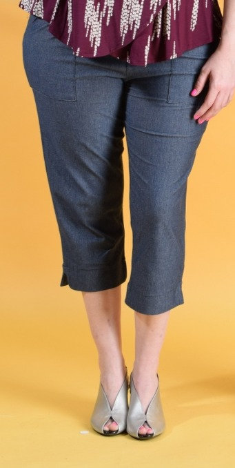 מכנסי קפרי ג'ינס כחול
