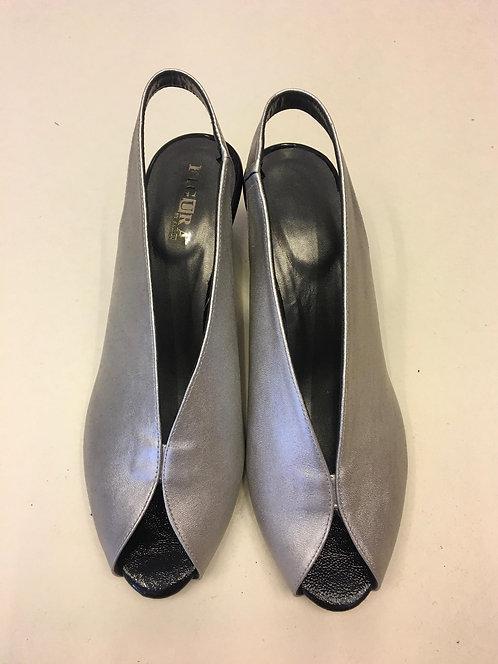 נעלי שאנל כסף