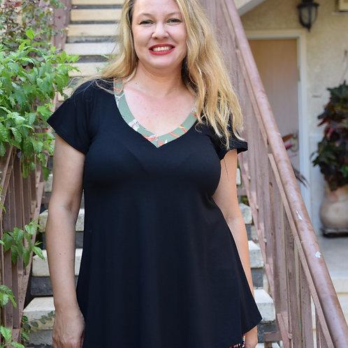 חולצת מאיה שחורה בשילוב ירוק