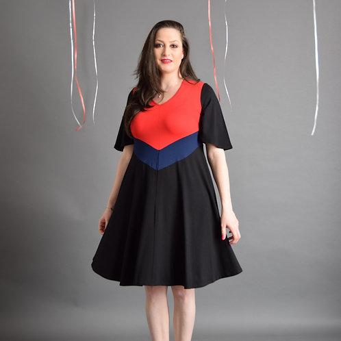 שמלת יערית אדום כחול שחור